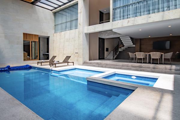 Akua Luxury Suites